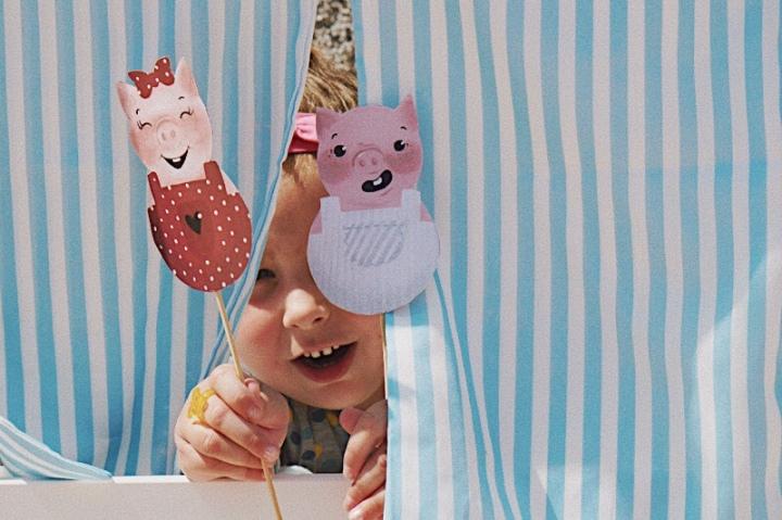 Кукли от хартия – Трите прасенца, вълчица иразказвачка
